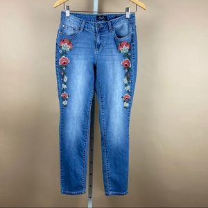 Embroidered Boho Floral Skinny Light Wash Jeans